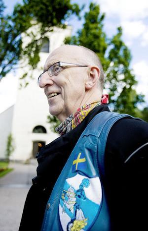 Jan Högkvist representerade MC-klubben Blue Knights. En klubb för poliser som startades av poliser som motvikt till de mindre goda klubbarna.