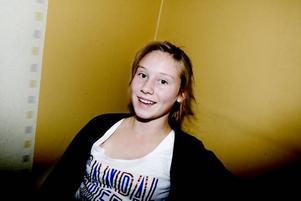"""NÖJD. """"Jag tycker att det är bra med ett ställe där man kan träffa kompisar. Förut har vi mest träffats hemma hos varandra"""", säger 13-åriga Ida Oskarsson."""