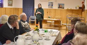 Karin Härjegård besökte SPF Utrikes i Hammerdal. Foto: Karin Haxner