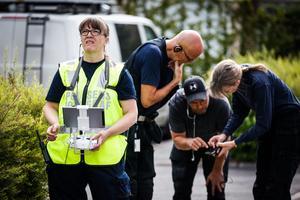 Polisen har använt en drönare för att dokumentera brottsplatsen.