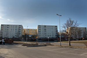 Hantverkargatan Hofors, LSS-boendet Orion och äldre- och demensboendet Hantverkarn ligger i nummer 34, i mitten på bilden.