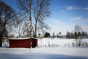 Gammelgården i Hedemora har länge varit platsen för Hedemoras officiella midsommarfirande.