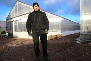 I vår invigs de nya växthusen i Stackmora trädgård. Lars Uleander ser fram mot att få sätta igång med odlingarna på allvar efter branden 2018.