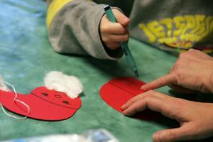 Förskolan viktig. Socialdemokraterna vill minska barngrupperna och sänka avgifterna i förskolan. Foto: Jonas Bilberg