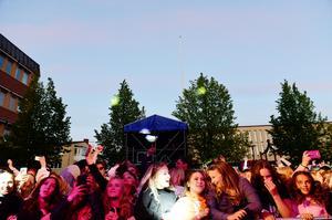 Publiken var igång under Kramfors Stadsfest när Norlie & KKV spelade.