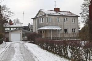 På Västra Ringvägen såldes det här huset, för 5,7 miljoner.
