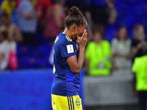En deppig Madelen Janogy efter semifinalförlusten mot Nederländerna. Foto: Jonas Ekströmer/TT