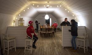 Det kommer att finnas runt 30 sittplatser inne i logen och utanför finns bord och bänkar för soliga dagar.