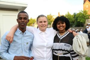 Hamza Adam , Julia Persson och Vijuat Mohonen från Alléskolan.