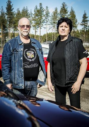 Susanne och Christer Peterson brinner båda för motorer. De har fyra bilar från olika decennier och Susanne har dessutom en Honda Valkyrie.