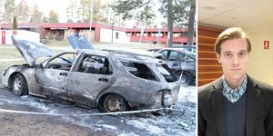 Åklagare Fredrik Normark väntar bland annat på att analysen av den misstänkta trions mobiltelefoner ska bli klar.  Det är för tidigt att säga om de kan knytas till fler bränder än de de i dagsläget är misstänkta för, enligt Fredrik Normark.
