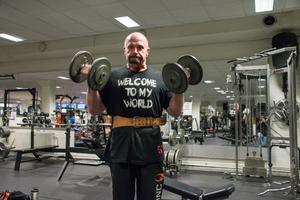 Magnus Vestberg berättar att han ibland fått kommentarer att hans hårda träning sliter på kroppen,