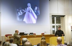 Fullmäktige fick besök av Jan Scherman  och Pär Johansson som berättade om den nya filmen Catwalk, som har urpremiär i  Hudiksvall 25 januari, och visade några sekvenser ur filmen.