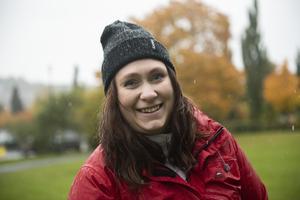 Ingrid Oscarsson lämnade tidigare i höst in ett medborgarförslag till Örnsköldsviks kommun om en hundrastgård i centrum.