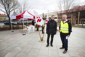 Hyresgästföreningen kampanjar över hela landet. I Ljusdal var de representerade av bland annat Ove Hellberg och Jan Olsson.