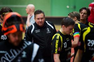 Roger Norman var besviken efter matchen mot Gamla Stan. Men redan imorgon väntar en ny match mot Skellefteå IBK.