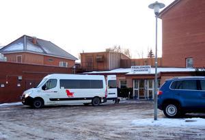 Låt vårdpersonal  på Fågelsången vårda och städpersonal städa, menar Säterbon i ett färskt medborgarförslag.