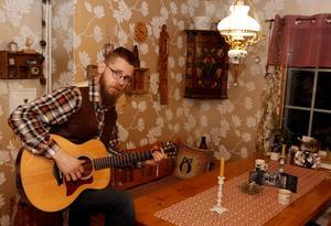 Johan Sandström med familj flyttade till Lindesberg från Arboga för fyra år sedan.