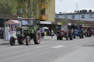 Arrangören Martin Wisten i sin gröna traktor var väldigt nöjd med dagen.