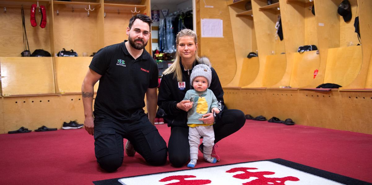 Materialare, fystränare och maskot – hela familjen jobbar tillsammans med Timrå IK: