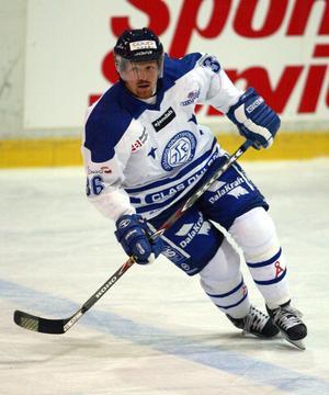 Johan Rosén i LIF-tröjan. Foto: Bildbyrån.