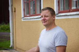 Nicklas Westling har startat alla Sveriges  kommunanslagstavlor på Facebook.