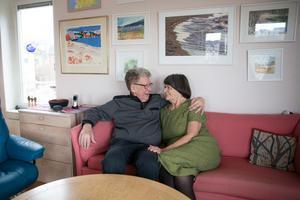 """""""Gunnar är ömsint och god"""" säger Gerda. """"Gerda ser till att allt fungerar"""" säger Gunnar. En gemensam värdegrund – och en torr humor, har varit två viktiga ingredienser i parets relation."""