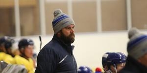 Coach Lundblad och hans Rimbo har fyra matcher på sig att ta en plats i Alltvåan.