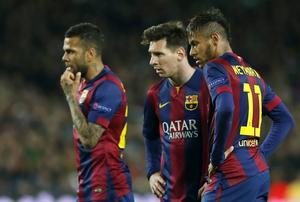 Barcelonas Lionel Messi och Neymar, här tillsammans med Dani Alves, ger en stjärnglans som få matcher kan komma upp i.