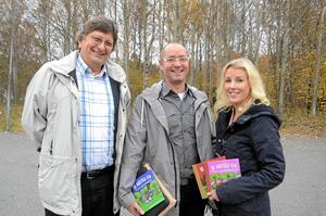 teknik för små. Förskollärarna Therese Karlsson och Mattias Blomfeldt har skrivit fem nya barnböcker om naturvetenskap och teknik, som fått stor uppmärksamhet. Böckerna ges ut på Tomas Hagenfors förlag Tomsing.