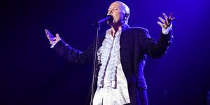 Johan Boding under en av alla sina hyllningskonserter till brittiska rockbandet Queen. Foto: Peder Andersson