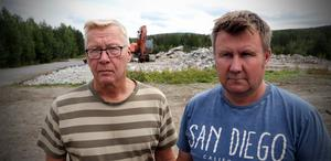 Besvikna grannar till det planerade återvinningsstationen utanför Ullånger. Leif Andersson Och Robert Ullberg.