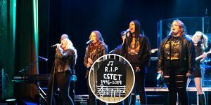 Estetprogrammet i Leksand går i graven och sista showen sätts upp till helgen i Sveasalen.