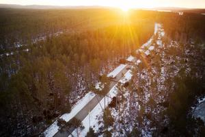 Träden föll som plockepinn över vägen. Orkanvindar orsakade stora skador när stormen Ivar drog in över länet i december 2013