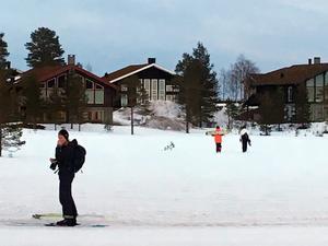Vid Lindvallen och i hela fjällområdet finns det  relativt gott om snö för alla skidåkare.