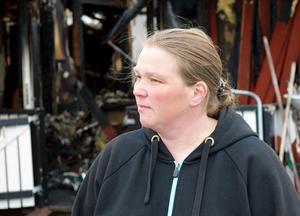 Petra Jacobsson är besviken över hur kommunen bemötte henne och hennes familj dagen efter villabranden.