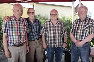 Stefan Åslund, Rolf Olsson, Rolf Byqvist och Jan-Inge Persson stod för underhållningen, och spelade allt från hambo till romantiska visor.
