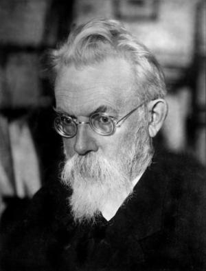 Den ryske geokemisten Vladimir Vernadskij utvecklade tanken om biosfären.