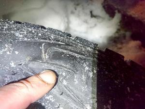 Håkan Kjellin fick alla fyra vinterdäcken sönderskurna på sin bil natten mot lördagen. Bild: Privat