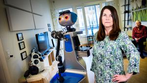 Robotarna är här för att stanna. Här testas en i ett innovationsboende.  Foto: Kicki Nilsson