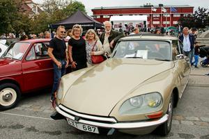 Tord Bodin, Lena Bodin, Astrid Lundberg och Ingvar Malm åkte i Ingvars Citroën DS21, även kallad Padda, från 1971.