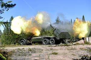 Archerpjäserna ska  bli fler och två artillerikompanier ska organiseras 2021-2025. Här vid en tidig provskjutning på Älvdalens skjutfält.