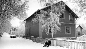 I mitten av 1970-talet exproprierade kommunen in ett antal fastigheter på Linnégatan, Övre Frejagatan och Ringvägen för att låta Riksbyggen bygga nya flerfamiljshus. Alla villaägare var inte nöjda.