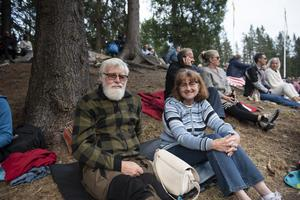 Tommy Bergman och Christina Holopainen brukar försöka ta sig till Skule naturscen minst en gång per sommar.