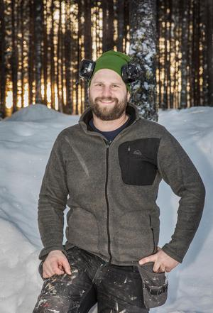 Sedan ett år tillbaka är Stefan Mattsson ensam ägare till Hugos Trä AB i Höglunda.