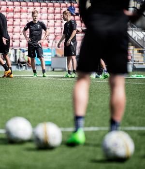 Johan Mårtensson stängs av resten av våren efter det röda kortet mot Hammarby. Det meddelade disciplinnämnden under fredagen.