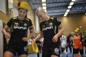 Hanna Bergström och Linnea Strömberg är på väg att dra på