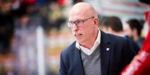 Fredrik Andersson, huvudtränare i Timrå IK, är inne i tränarkarriärens tyngsta period.
