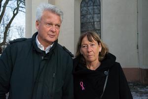 Lars Öberg kom för att säga ett sista farväl tillsammans med Ingmarie Åsenlund.