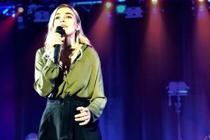 Lovisa Nordkvist sjöng En timme till av Veronica Maggio.